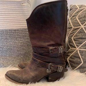 Shoes - Free bird sz 8 boots